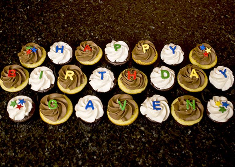 Cupcakes Happy Birthday (1)