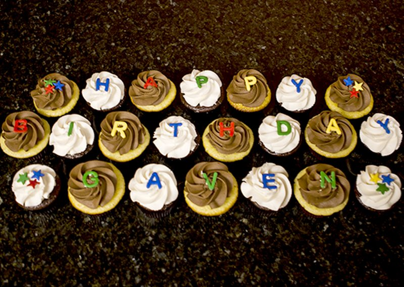 Cupcakes Happy Birthday (1)